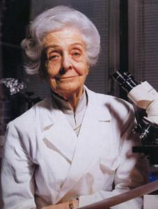 rita-levi-montalcini-al-microscopio